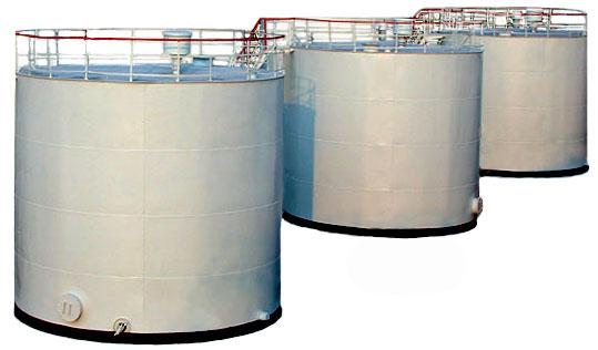 Аккумуляторные баки запаса горячей воды объемом до 50 м3 целесообразно применять горизонтального исполнения.